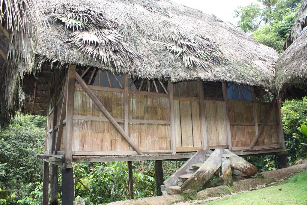 Her bodde vi i to netter - hjemme hos en familie i Amazonas.