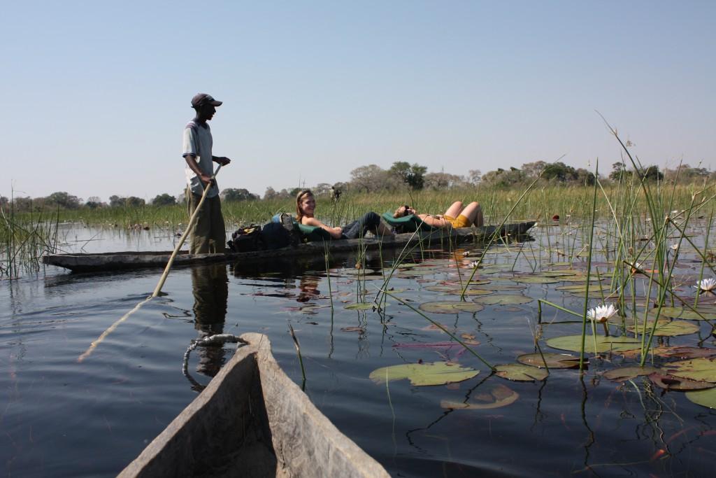 På en 3-dagers bushcampingekskursjon med uthulet trestamme i Okavangodeltaet.