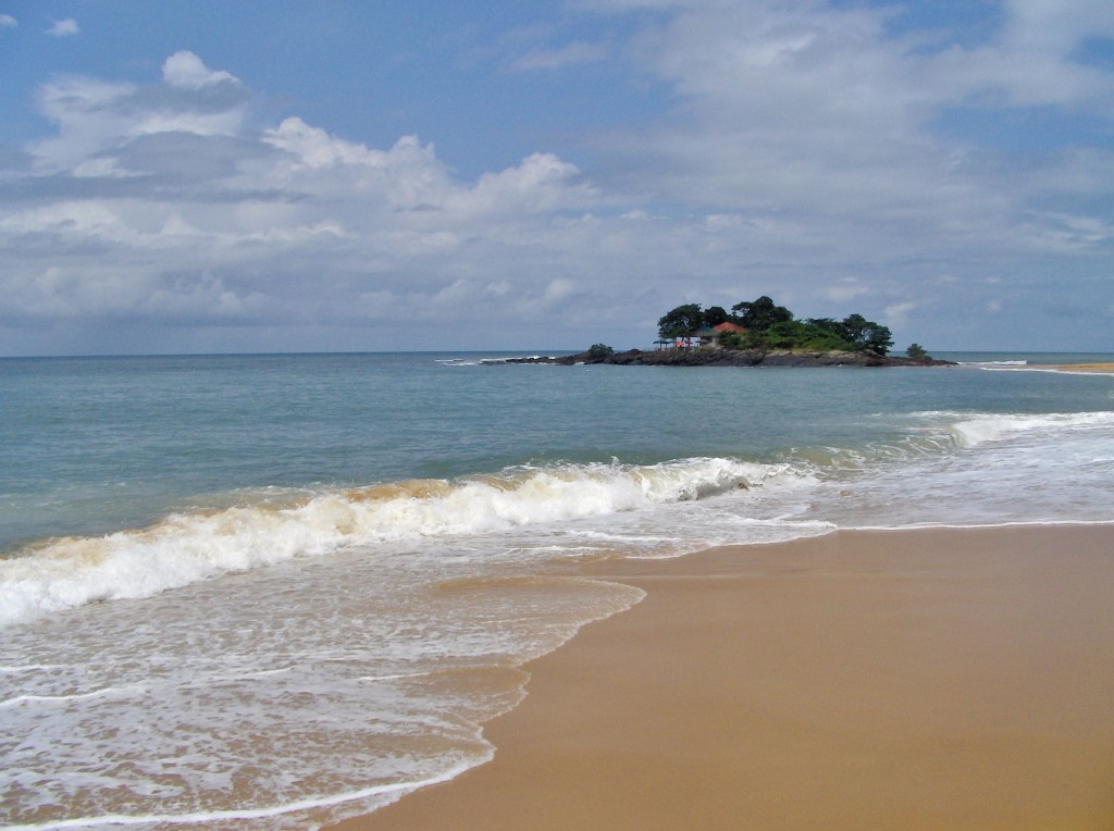 Sierra Leone har utrolig mange flotte, folketomme, uberørte sandstrender.