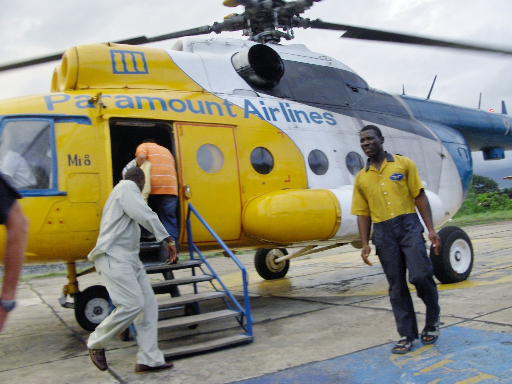 Klar for å ta helikopter fra Freetown til flyplassen i Lungi.