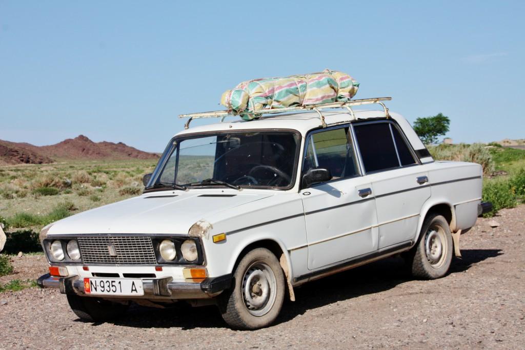 Kirgisistan - Langs veien