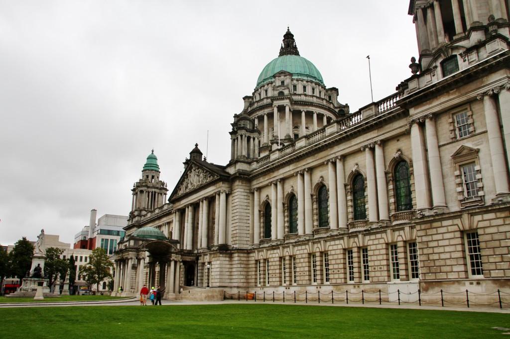 Belfast i Nord-Irland - som faktisk aldri har vært et land, slik som England, Skottland og Wales kan sies å ha vært, men bare en provins.